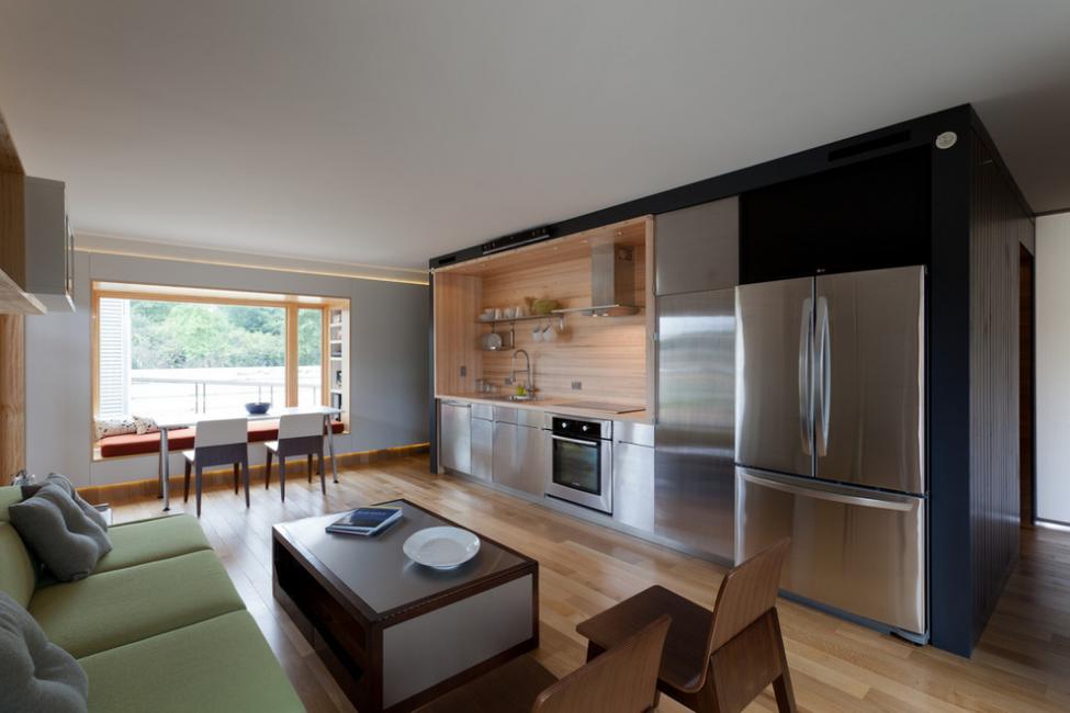 Kemuncak dapur yang luas akan menjadi pemandangan dari tingkap