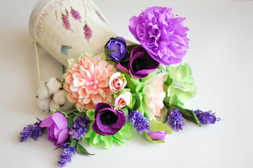 Kağıttan çiçekler sizi uzun süre memnun edecek ve asla solmayacak