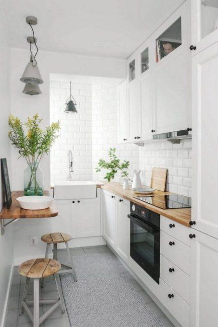 Membeli perabot khas untuk dapur kecil