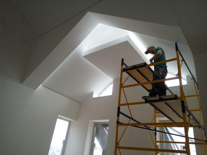 Pencahayaan dijangka pada tahap pembaikan atau pembinaan