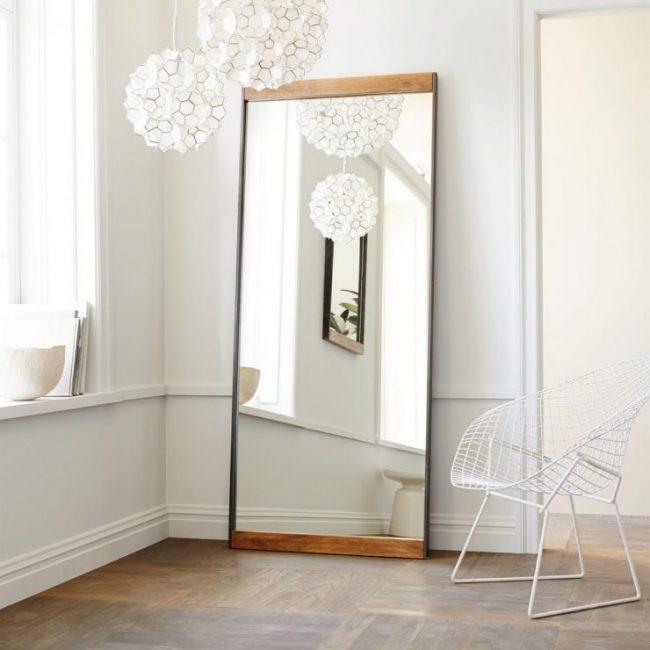 Cermin dimensi dalam hiasan bilik