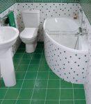 Küçük bir banyo için fayans (150+ Tasarım Fotoğrafları): Stil ve dekorun en uygun kombinasyonu