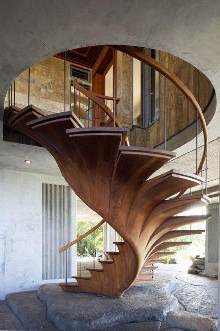 Salah satu reka bentuk dalam prestasi tangga