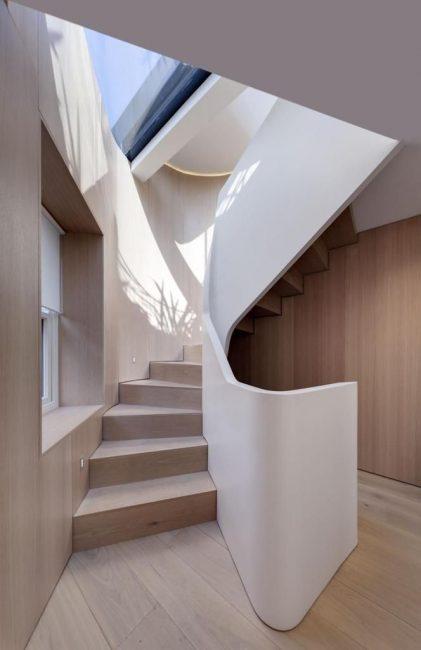 Kreatif dan kayu di rumah persendirian