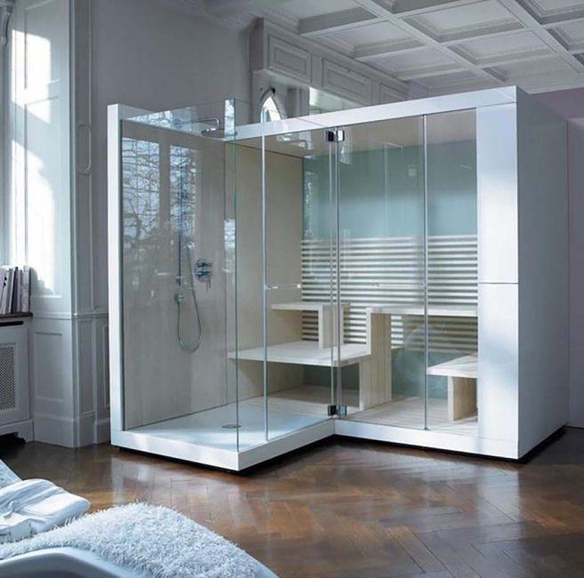 Kabin kaca bersebelahan dengan sauna