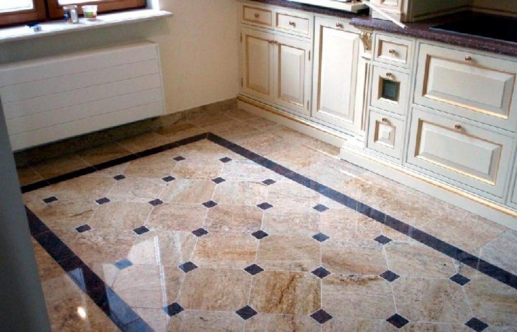 Desenli yer karoları mutfağınıza çekicilik ve stil katar.