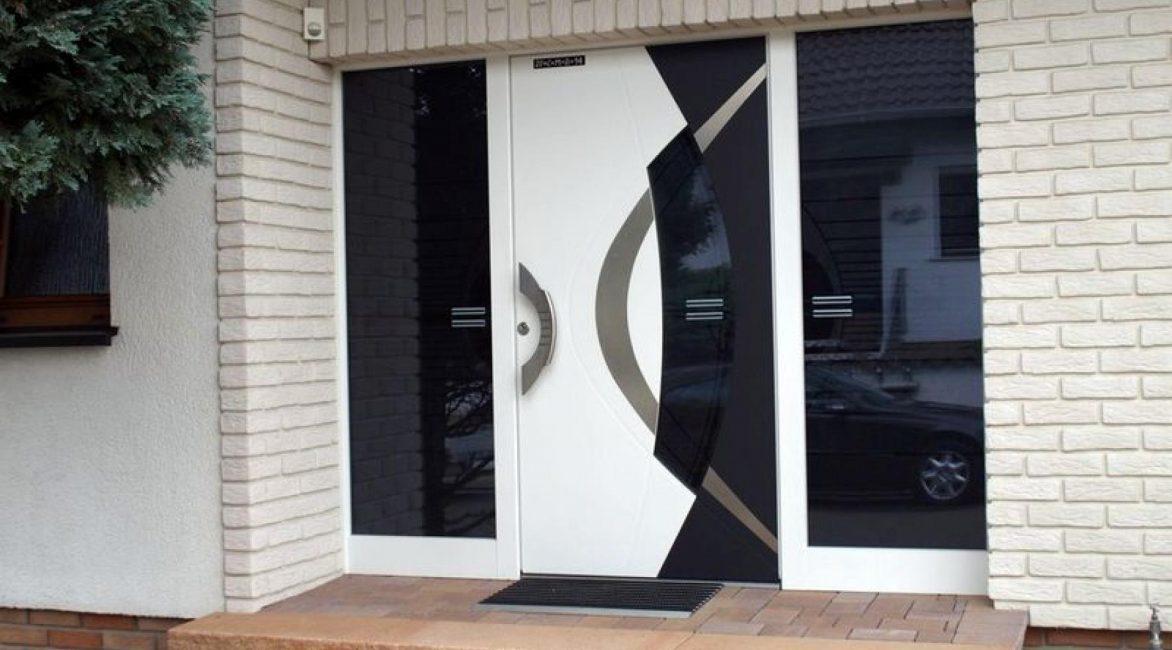 Model pintu pintu masuk moden boleh dipilih untuk apa-apa gaya.