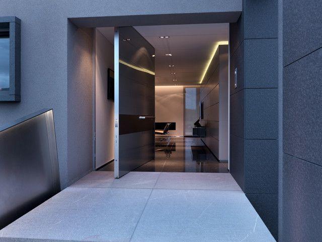 Perbezaan gaya dan warna pintu kepada gaya dalaman umum jelas kelihatan