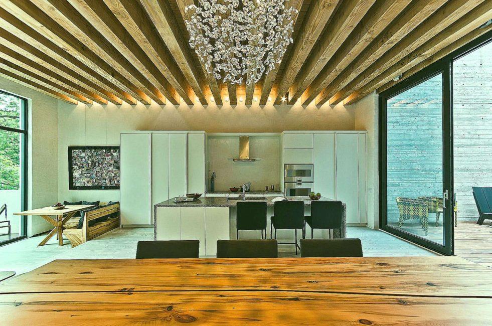Kirişli sıradışı tavan tasarımı