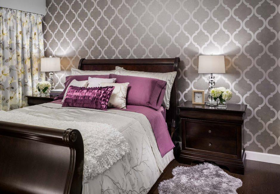Quatrefoil, yatak odasında klasik stili vurgulamaktadır