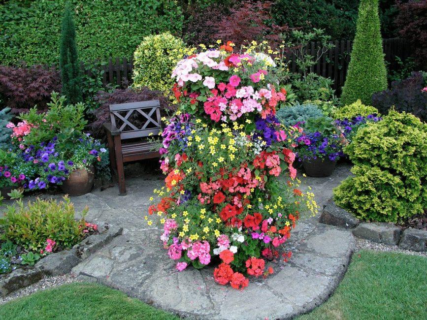 꽃 침대를 만드는 수직 클럽