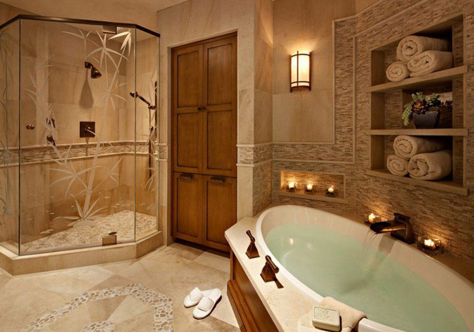 Bilik mandi mesti mempunyai cermin besar.