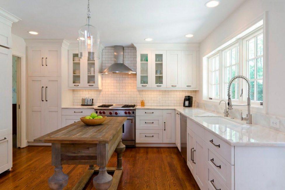 Mutfakta, bütün ailenin bir yemek için toplandığı bir yer, tercihlerinize göre seçiliyor.