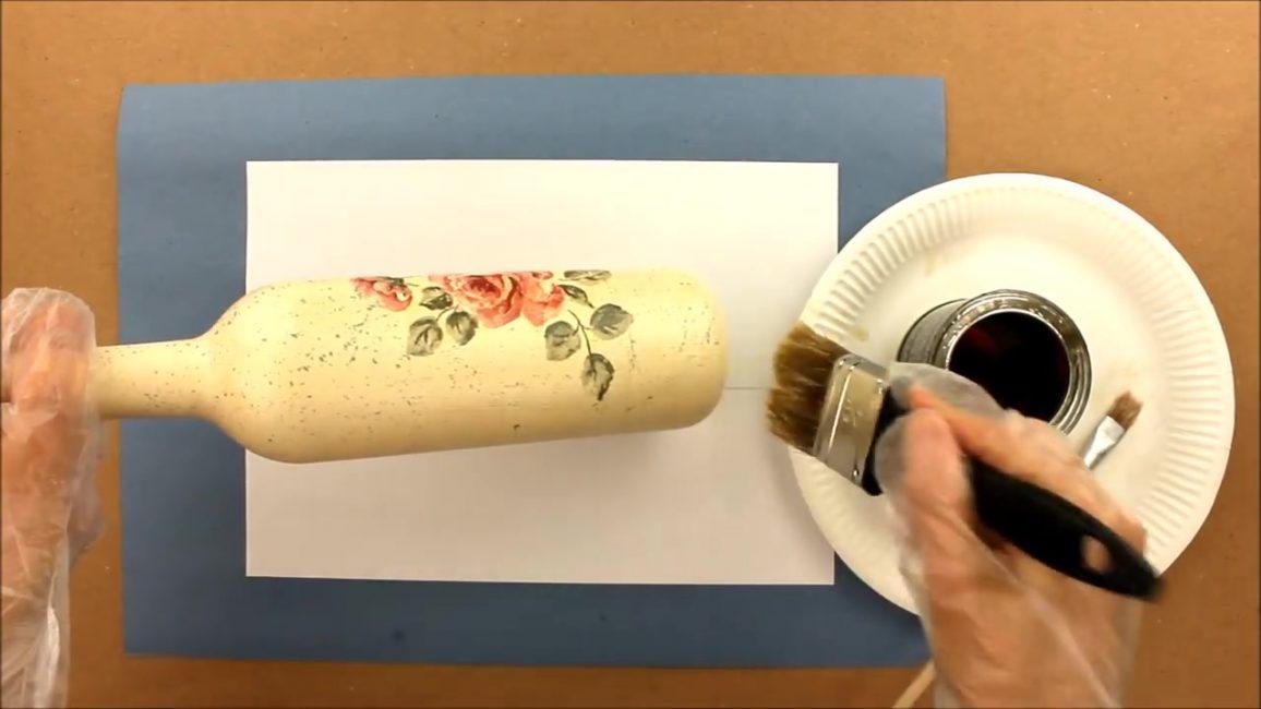 Ürünü vernik ile 2-3 kat halinde kaplayın.