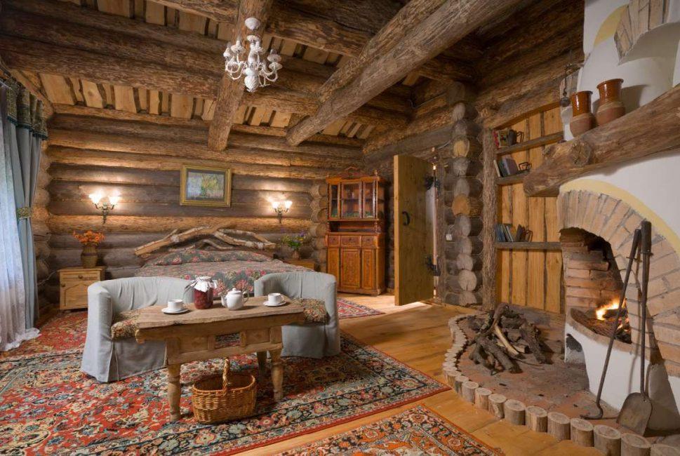 Yürüyüş yolları ile ahşap mobilyalar - Rus ruhu