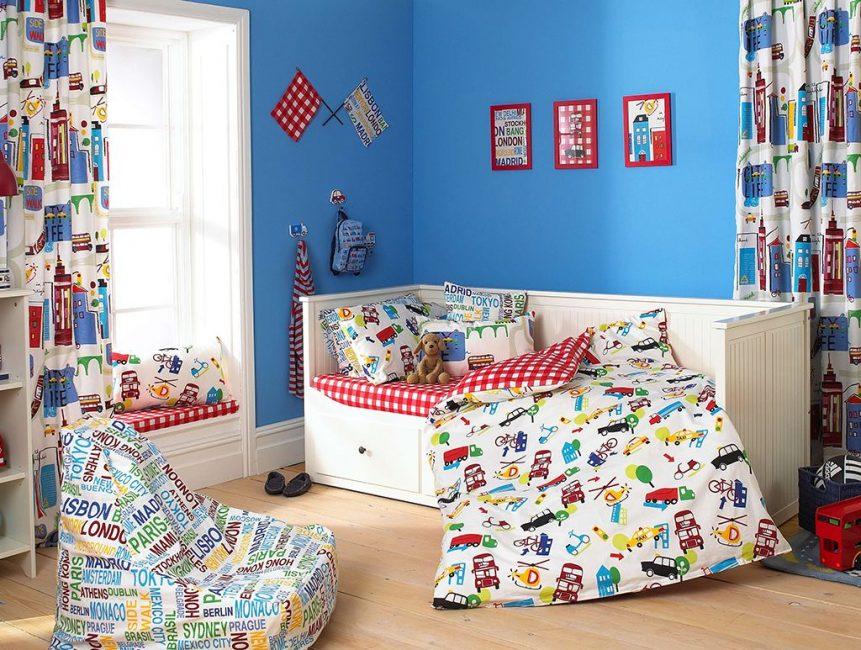 Çocuk odasında parlak vurgular