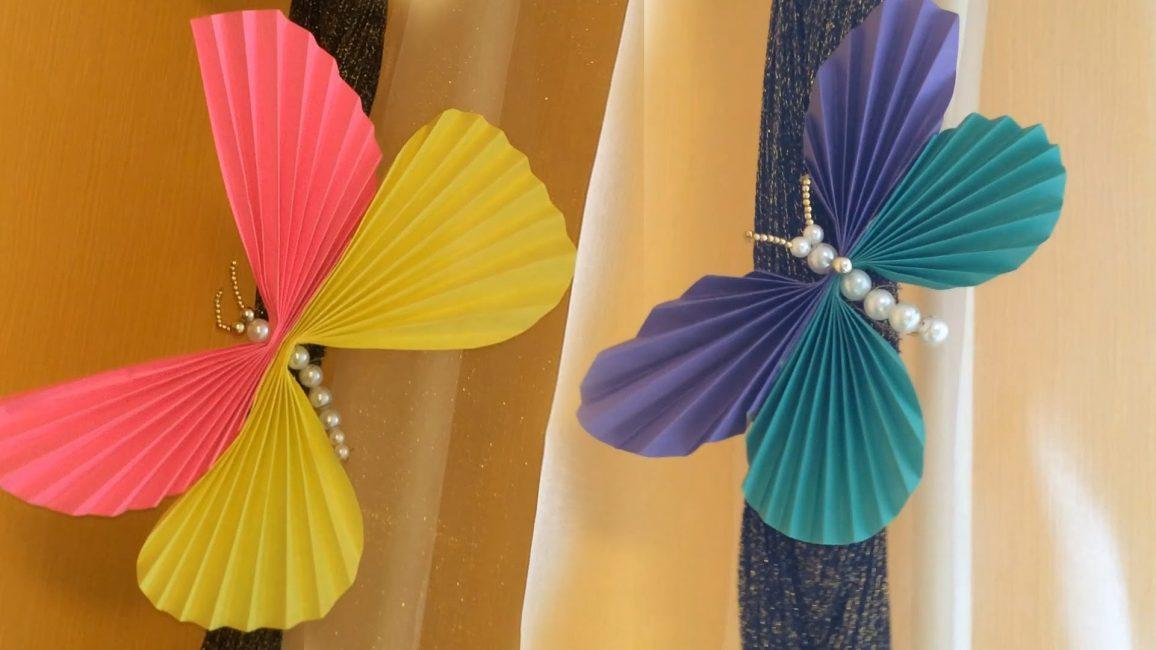 Renkli karton kelebekler