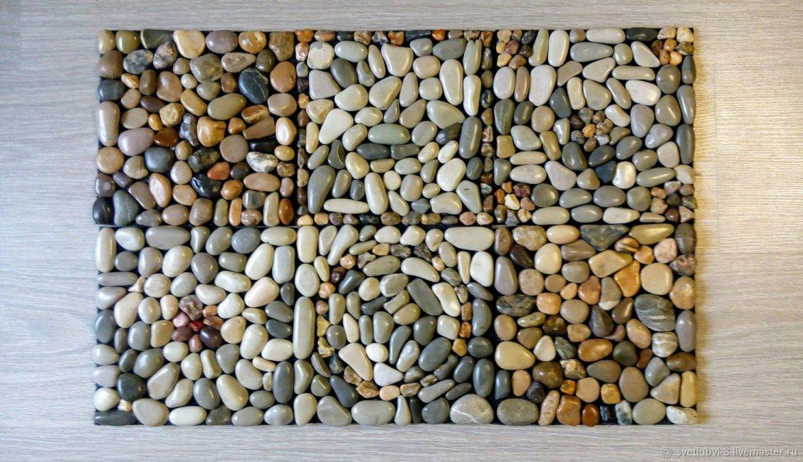 Mat mandi batu mengingatkan laut