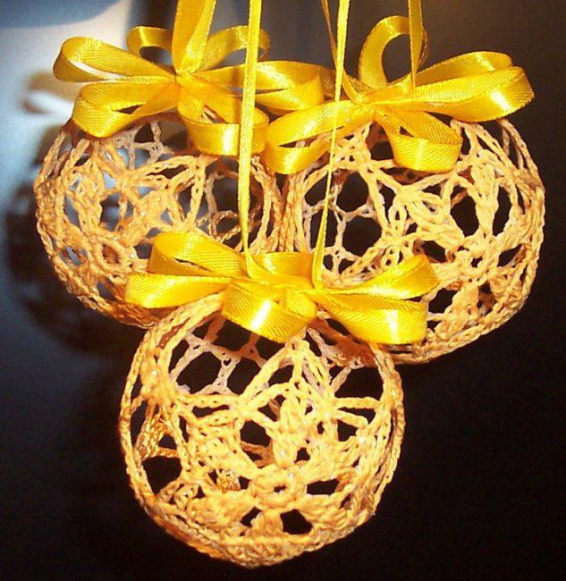 Noel ağacı için topları güzel aranjman