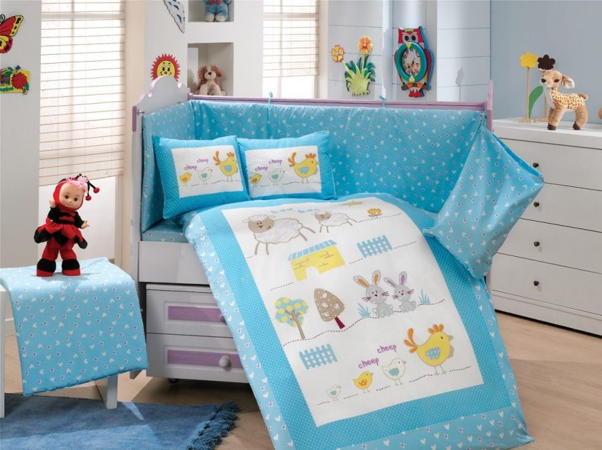 Aktif çocuklar için mavi iç çamaşırı