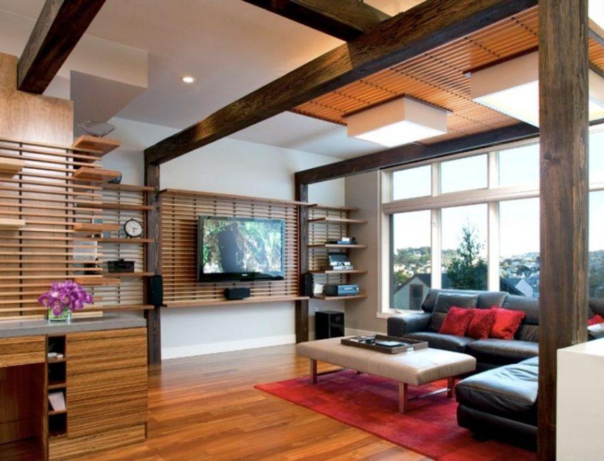 Reka bentuk asal dinding kayu di bawah TV
