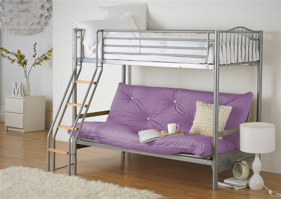Katil sofa logam di pedalaman