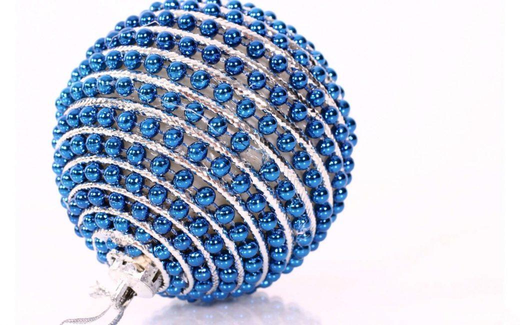 Bola manik biru