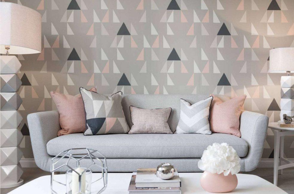 Duvarda geometrik baskı