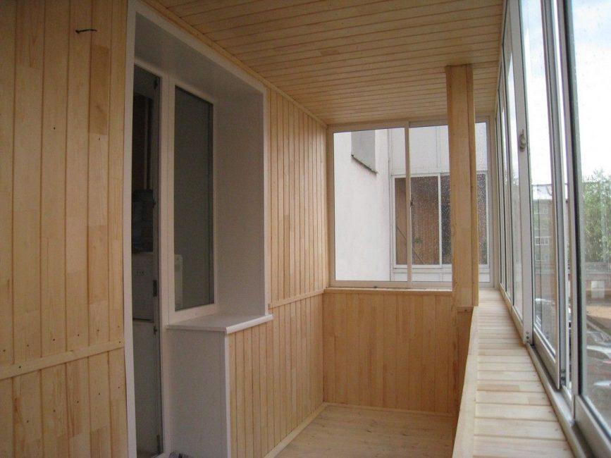 Panel siling di balkoni