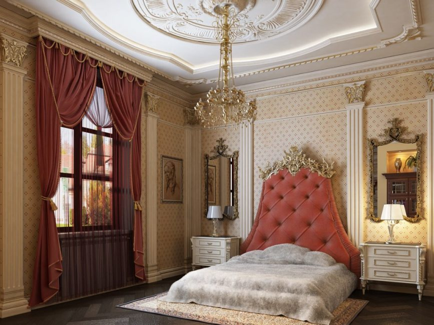 Gilded plaster elements in the bedroom