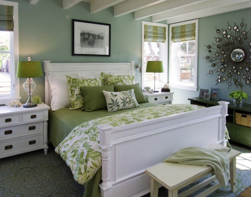 Gray-green in the interior of the bedroom
