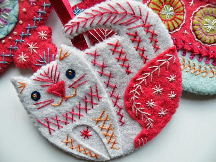 Noel kedi keçe ile yapılmış