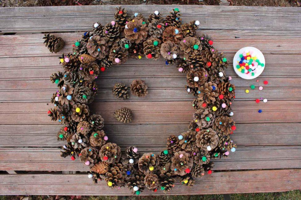 Karangan bunga Natal berfungsi sebagai jimat