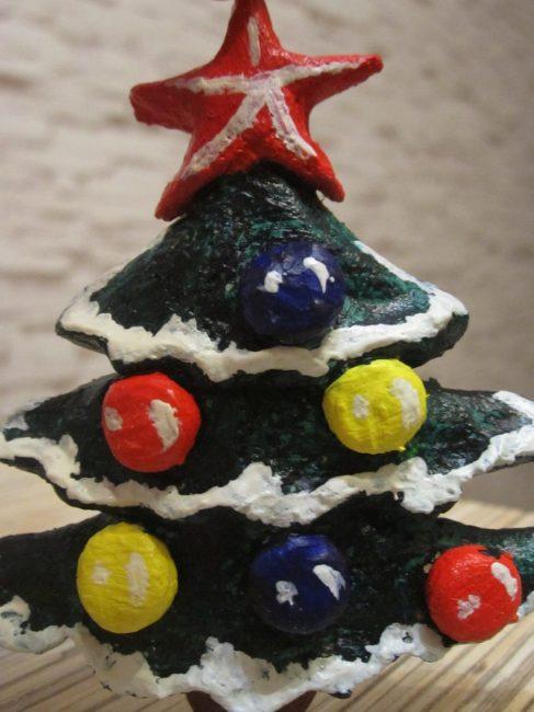 Çocuğunuzla birlikte Noel ağacını spreyleyin
