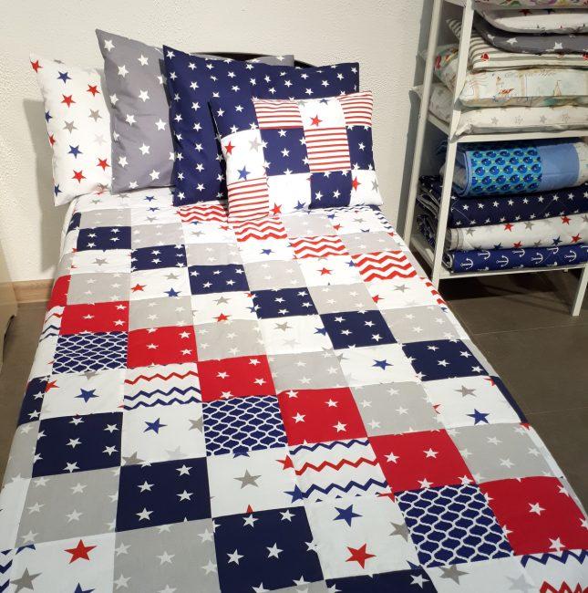 Yatağın boyutunda parlak çocuk battaniyesi