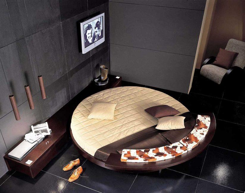 Yuvarlak yatak için standart dışı battaniye