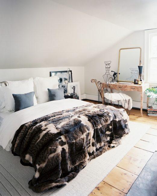 Yatak örtüsüne vurgu