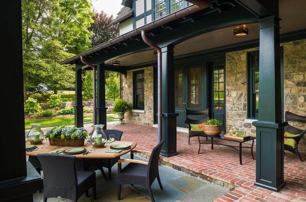 Terrasse est un loisir en plein air sans quitter la maison