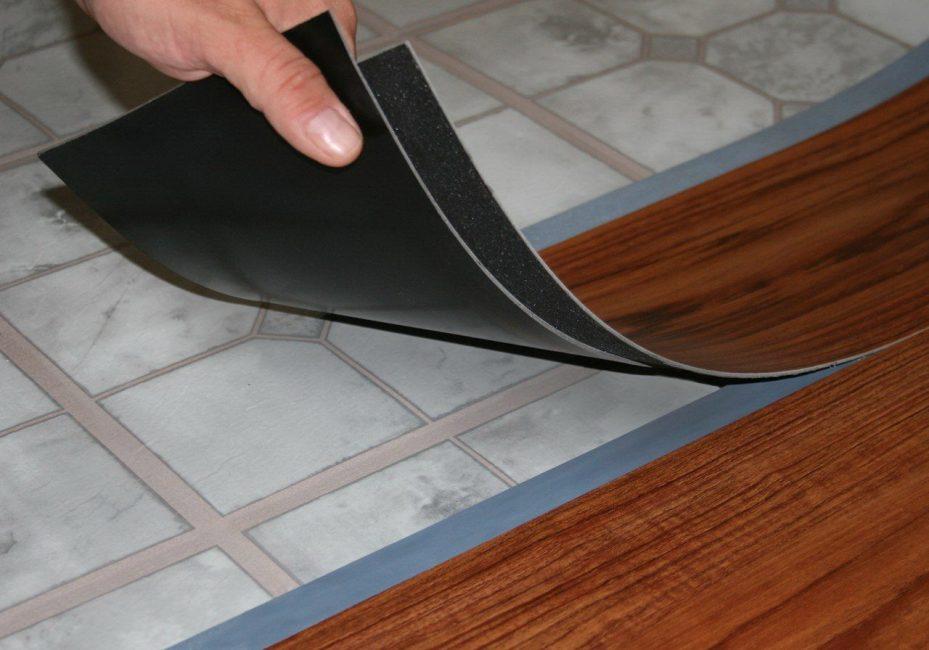 Papan vinil (PVC) tiruan kayu