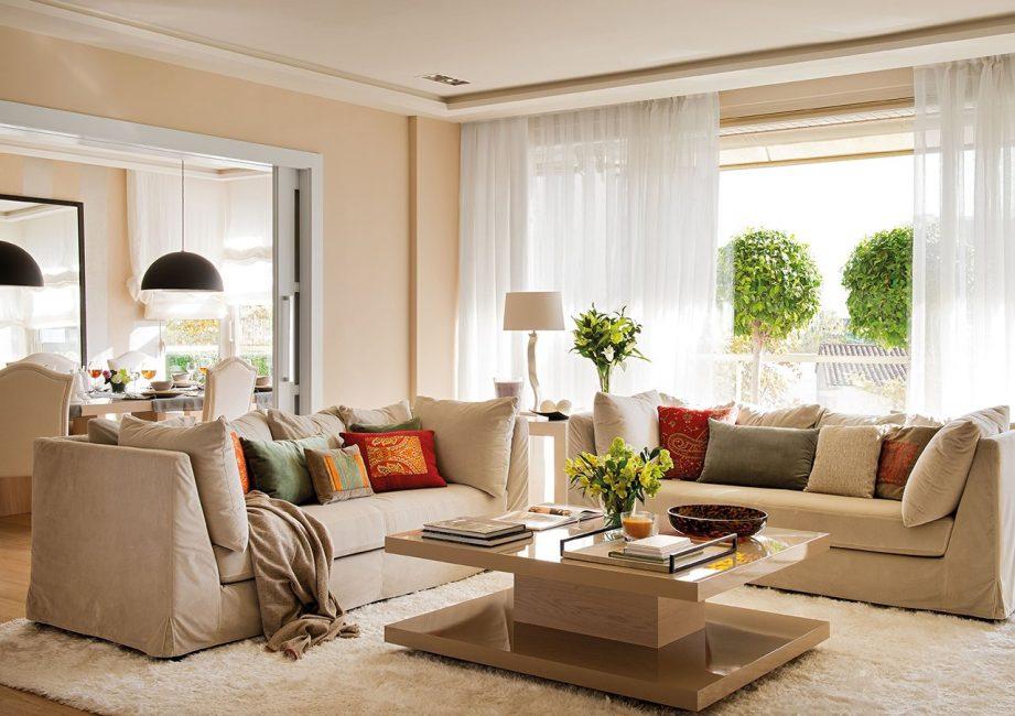 Sofa dalam palet ini akan sentiasa kelihatan mewah