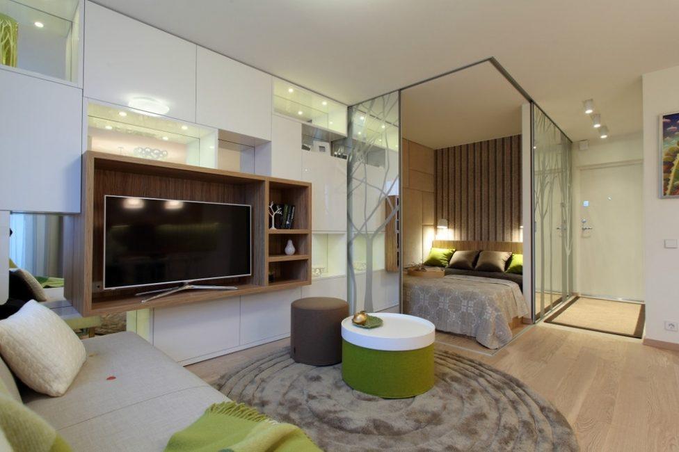 Şeffaf bölmeli yatak odası