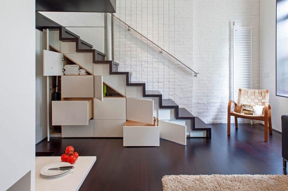거실 자체의 홀은 가장 편리한 옵션이 아닙니다.