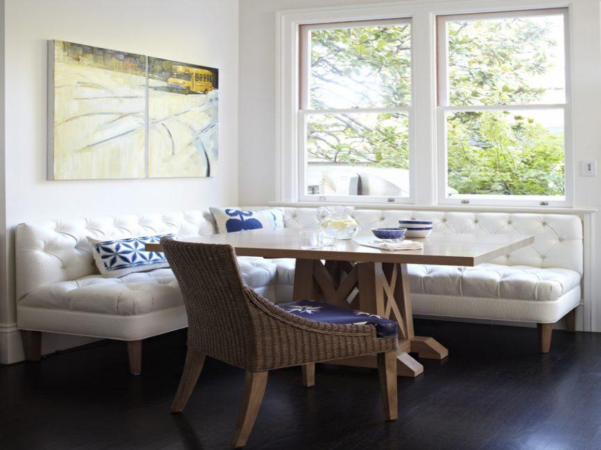 Apabila memilih sofa yang bagus jangan lupa tentang bahan pemadat