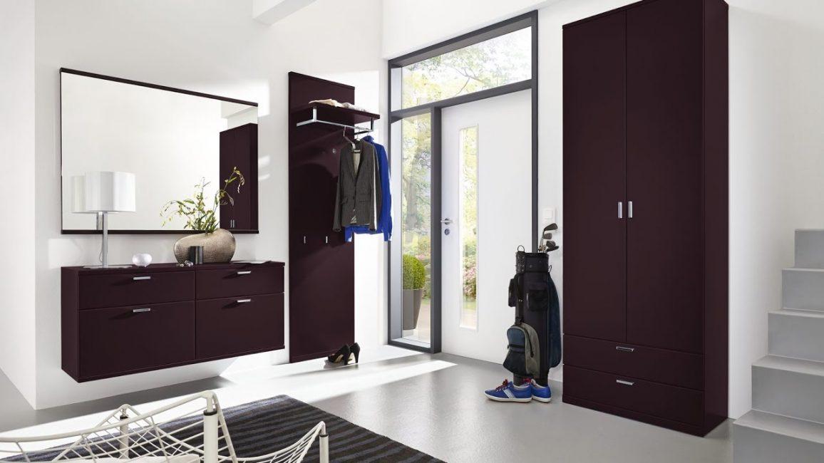 Questo stile contribuisce al rilascio del corridoio dai mobili extra.