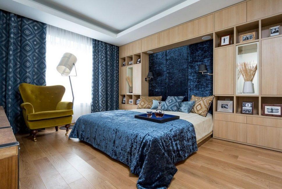 Bir yatak odasını bu renkte özen ve ölçüyle dekore etmek gerekir.