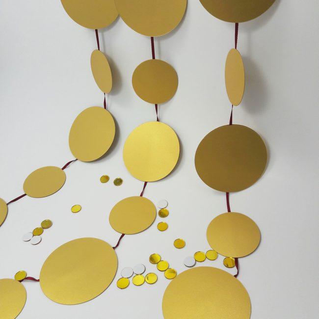 Warna emas untuk pencinta bergemerlapan