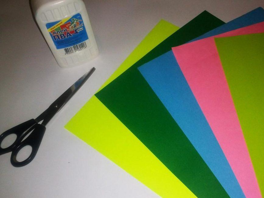 Kertas berwarna tebal
