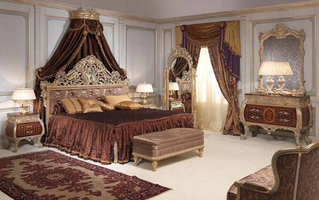 Perabot kayu besar untuk gaya klasik.