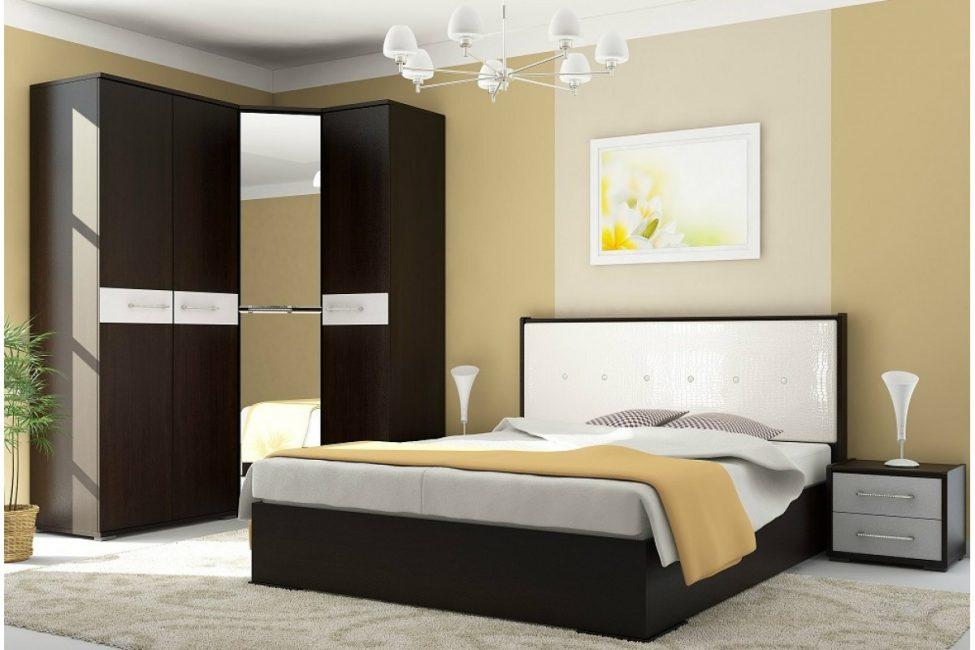 Çift kişilik yatak, kaldırma mekanizmasını kullanma işlevselliğini artırdığından daha geniştir