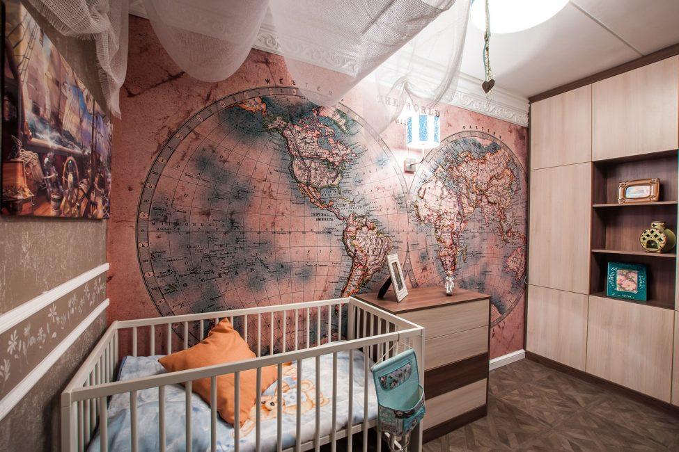 Peta dunia di bahagian dalam tapak semaian